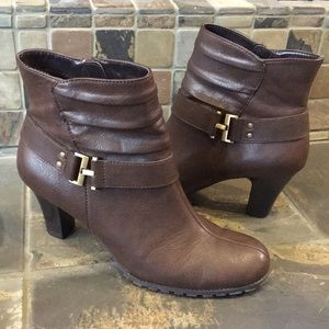 Aerosoles Brown Ankle Boots Size 8.5